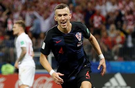 Perisic comemora gol do empate da Croácia