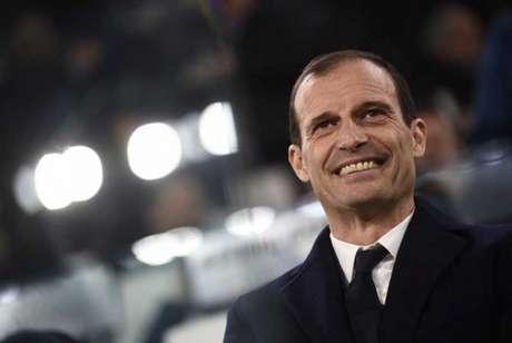 A Juventus é só sorrisos com a chegada de Cristiano Ronaldo (Foto: Marco Bertorello/AFP)