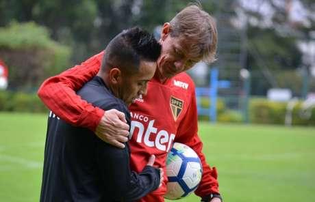 Depois da Copa, Cueva voltou a treinar no CT da Barra Funda na última segunda-feira (Érico Leonan/saopaulofc.net)