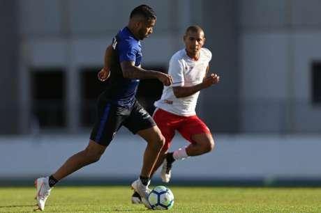 Aguirre foi um destaques da equipe alvinegra no jogo-treino desta quarta-feira (Vitor Silva / SS Press / BFR)