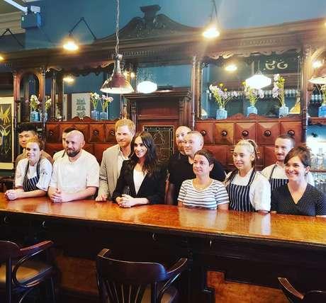 """Príncipe Harry e Meghan Markle """"fecham"""" restaurante em Dublin para almoçar a sós"""
