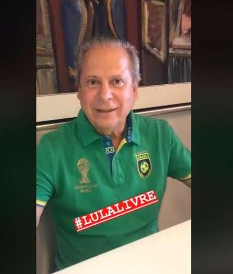 Em vídeo, Dirceu aparece comemorando a soltura de Lula no domingo (08) com a camisa da Seleção, que jogou na sexta-feira (06)