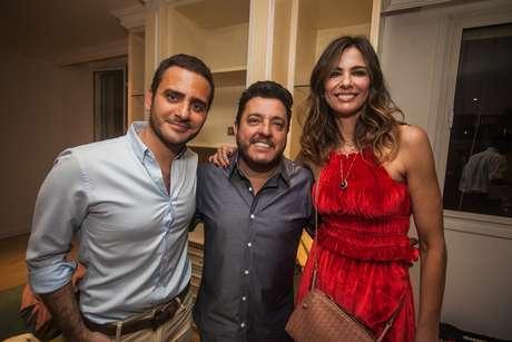 O anfitrião Sergio Kamalakian, Bruno e Luciana Gimenez