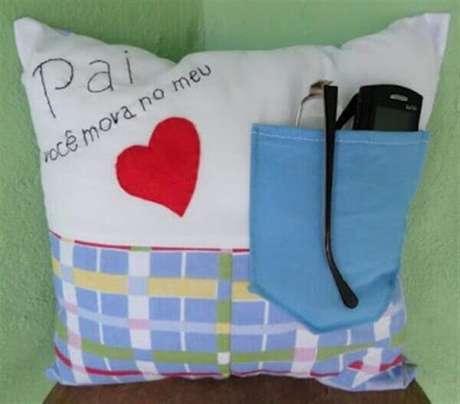 9 – As almofadas decorativas são ótimas lembrancinhas para o dia dos pais.