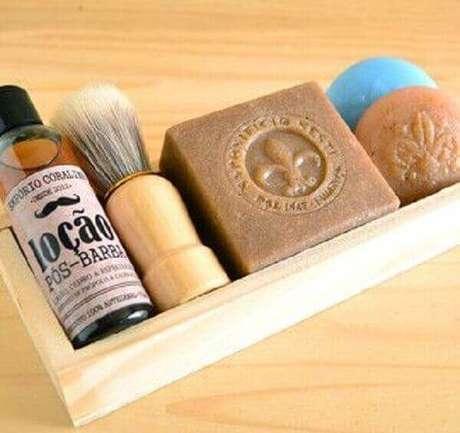 27 – Kits com produtos de barbear também são ótimas lembrancinhas para o dia dos pais.