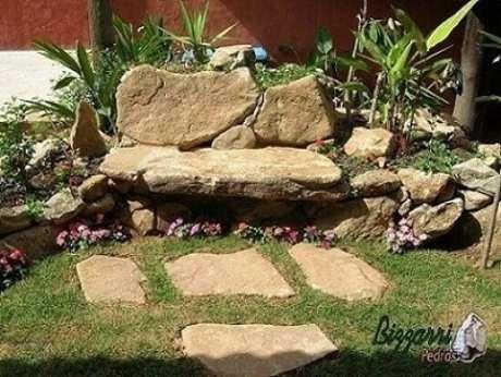 6. Granito como caminho e como branco em um projeto de Pedras Bizzarri