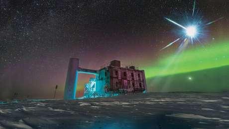 O telescópio IceCube, instalado no Polo Sul e em operação desde 2010, detectou a fonte de neurotrinos de alta energia