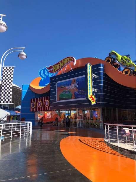 Além do show, o espaço tem loja de brinquedos, presentes e restaurante temático
