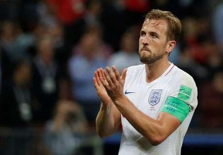 Harry Kane aplaude torcedores ingleses após derrota da Inglaterra para a Croácia na Copa do Mundo 11/07/2018 REUTERS/Grigory Dukor