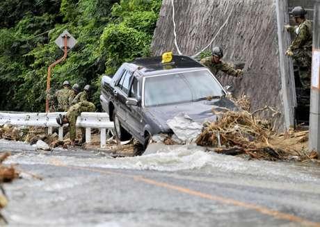 Chuvas torrenciais castigaram o Japão, provocando muitos danos e mortes no país
