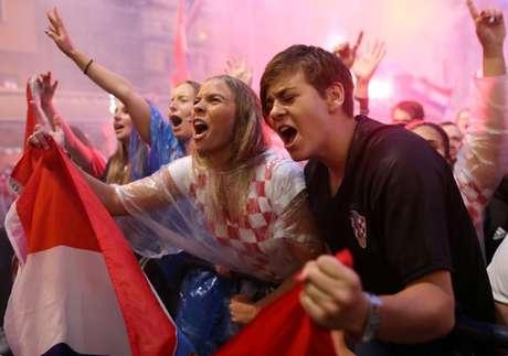 Torcedores da Croácia vibram em Zagreb  11/7/2018     REUTERS/Antonio Bronic