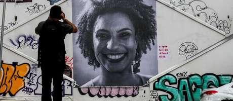 A vereadora Marielle Franco era voz crítica à violência policial em operações em favelas do RJ