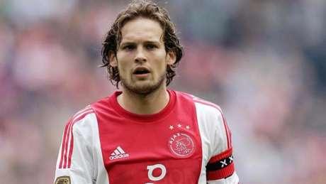 Blind foi jogador do Ajax de 2008 a 2014 (Foto: Divulgação)