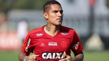 Paolo Guerrero voltou do Mundial e está treinando no Ninho do Urubu (Foto: Gilvan de Souza/Flamengo)