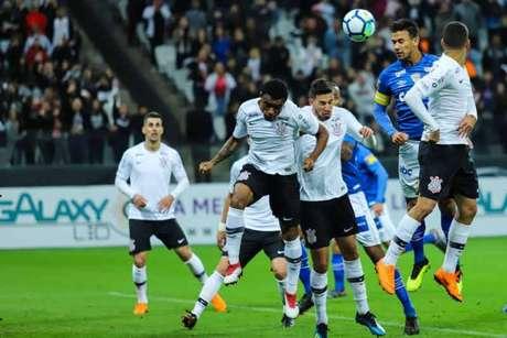 Corinthians e Cruzeiro ficaram no empate, em 2 a 2, na arena de Itaquera (Marcello Fim/Ofotografico)