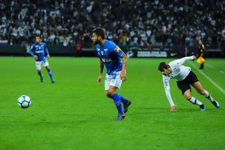 Corinthians e Cruzeiro se enfrentaram na Arena (Foto: Marcello Fim/Ofotografico)