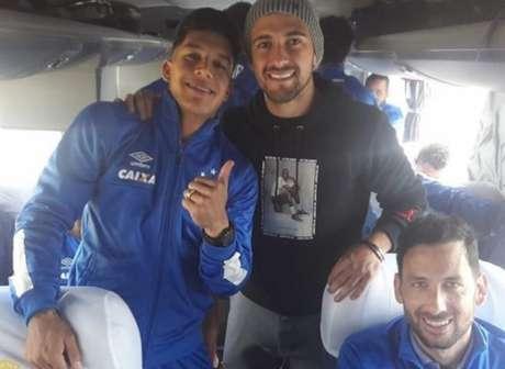 Após participações na Copa do Mundo, meia uruguaio retoma a preparação junto ao restante do time celeste Foto: Instagram Cruzeiro