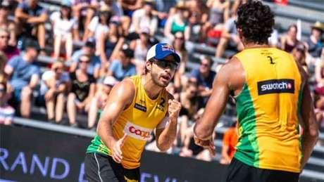 Pedro e Bruno estão nas oitavas de final (Foto: Divulgação/FIVB)