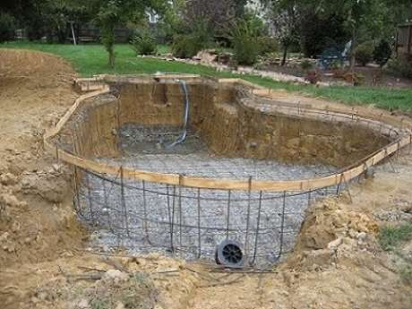 5. Colocar a armação é passo indispensável do tutorial de como fazer para piscina de concreto