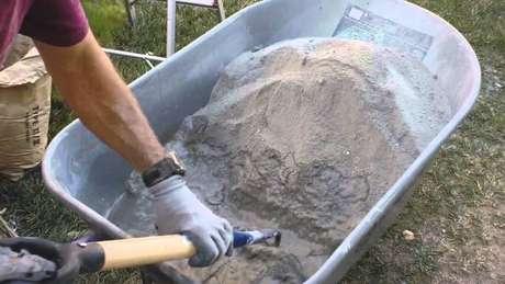 1. Siga nossas instruções e descubra como fazer concreto