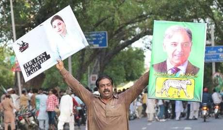 Apoiador do ex-premier Nawaz Sharif protesta contra sua prisão