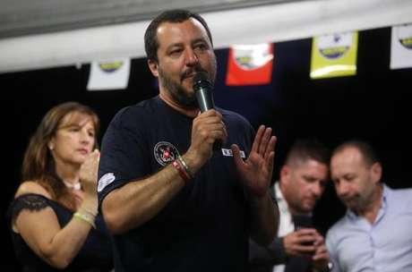 O ministro do Interior da Itália, Matteo Salvini, não quer permitir que barco atraque na Itália