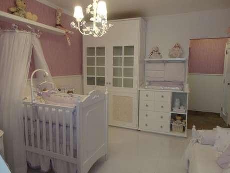 54. Quarto de bebê menina branco e rosa. Projeto de Fernanda Gui