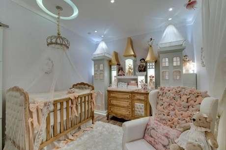 1. O quarto de bebê menina é sempre muito lindo. Projeto de Andrea Bento
