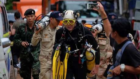 O mergulhador britanico John Lonanthen foi um dos primeiros a encontrar os meninos