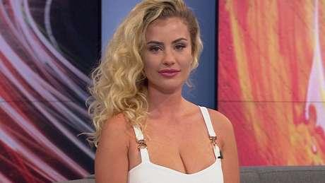 A modelo Chloe Ayling, 20, conta que se envolveu com seu sequestrador para poder sair do cativeiro