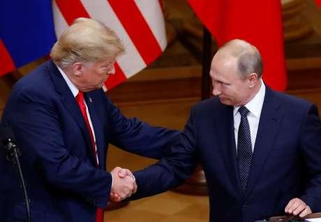 O presidente dos Estados Unidos, Donald Trump e o presidente russo, Vladimir Putin, após coletiva de imprensa no Palácio Presidencial em Helsinki, na Finlândia 16/07/2018 REUTERS/Leonhard Foeger