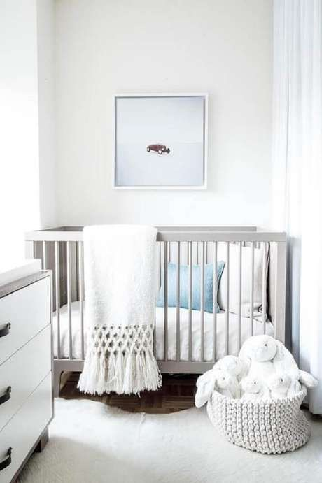 2. Mantenha tons claros para a decoração do quarto de bebê pequeno