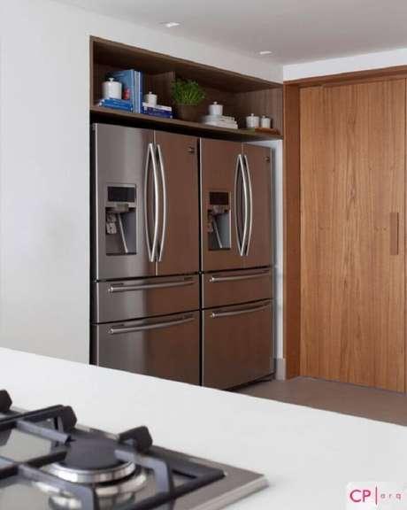 38. Nichos embutidos para cozinha pequena e planejada