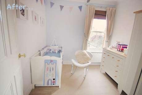 38. Poltrona moderna para quarto de bebê pequeno decorado