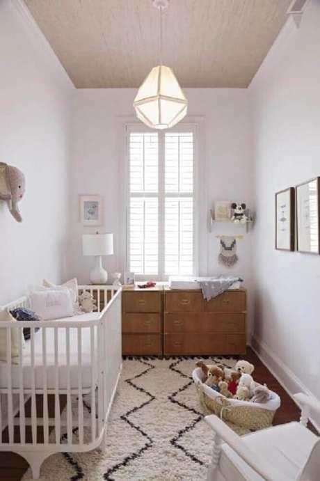 47. Procure não colocar muitos detalhes no quarto pequeno de bebê, assim ele não fica poluído visualmente