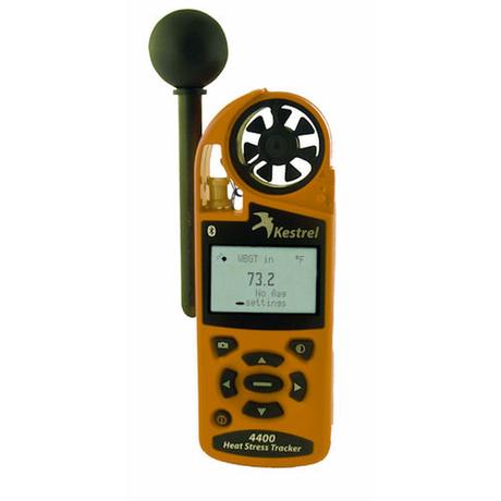 Termômetro especial mediu, no centro dos campos da Copa 2014, índice de estresse térmico, que é o calor sentido quando a umidade é combinada com a temperatura, movimento do ar e aquecimento pela radiação solar