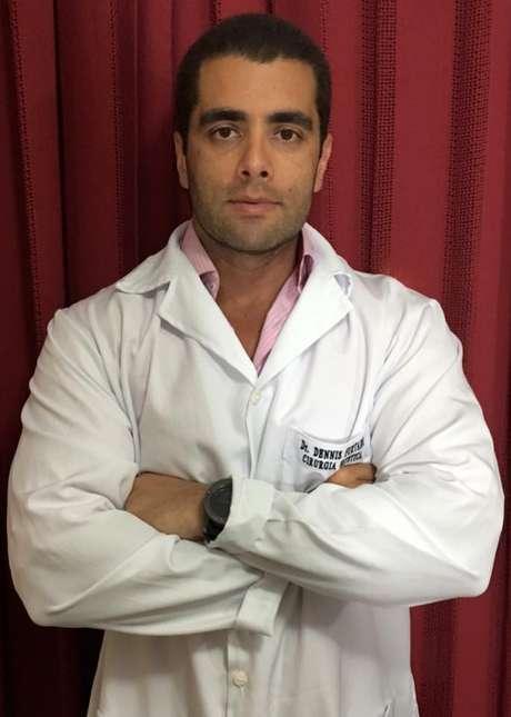 """Denis Furtado,  o """"Doutor Bumbum"""", está foragido desde a confirmação da morte de Lilian no domingo (15)"""