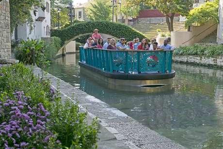 Tour de barco no River Walk