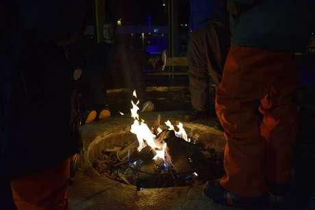 Lareira ao ar livre para esquentar as noites no Valle Nevado