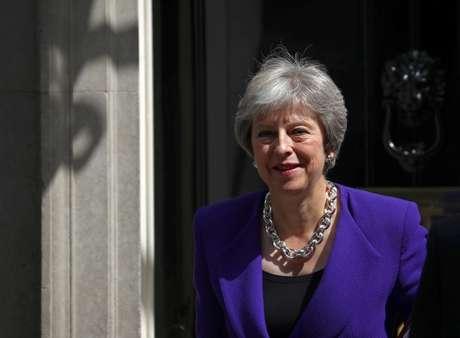 Primeira-ministra britânica, Theresa May, deixa sua residência oficial em Downing Street 18/07/2018 REUTERS/Hannah McKay