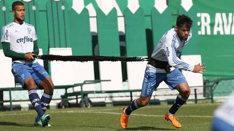 Gustavo Scarpa ainda briga com o Fluminense na Justiça