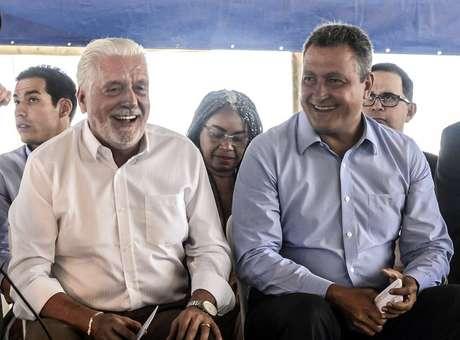 O governador da Bahia Rui Costa (à dir.) e o ex-ministro Jaques Wagner, cotado até como vice em chapa do PT com outro partido
