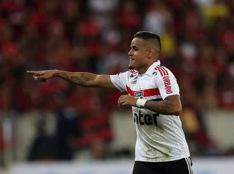 Éverton comemora gol pelo São Paulo