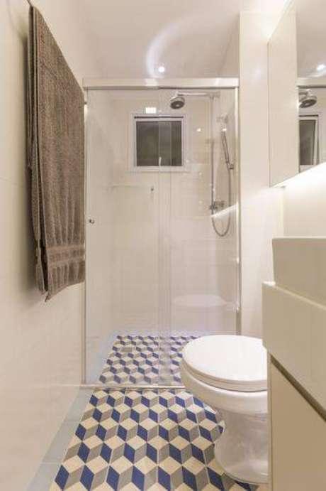 24. Piso para banheiro fazendo uma composição geométrica. Projeto por Conseil Brasil