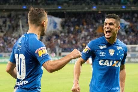 Arrascaeta celebra empate do Cruzeiro
