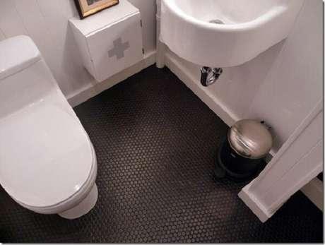 14.Piso para banheiro antiderrapantes garante mais segurança