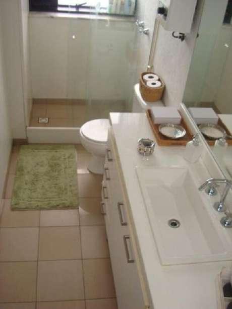 10.Piso para banheiro cerâmico na cor bege