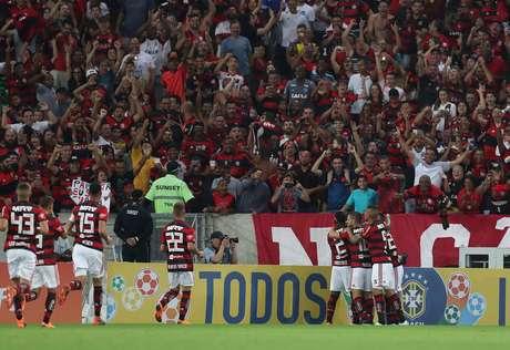 Resultado positivo no Maracanã fez o Flamengo seguir na liderança isolada com 30 pontos ganhos
