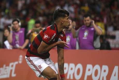 """Paquetá faz uma """"dancinha"""" depois de marcar o seu gol no clássico carioca entre Flamengo e Botafogo"""