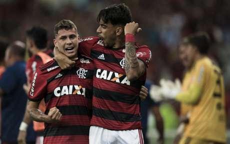 Flamengo 2 x 0 Botafogo: as imagens do clássico no Maraca